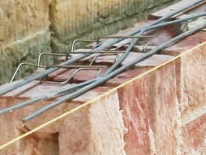 Армировка притолоки/ перемычка из кирпича ручной формовки